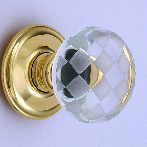 A Beautiful Range Of British Handmade Coloured Or Clear Glass Door Knobs  And Cupboard Knobs With Nickel, Brass, Antique Brass Or Bronze Roses.