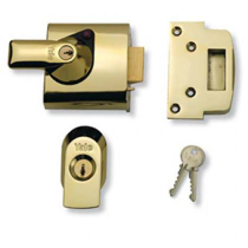 Insurance nightlatch yale lock in brass from cheshire for Door yale lock