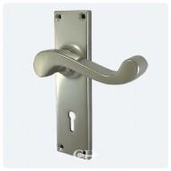 Pearl Nickel Keyhole